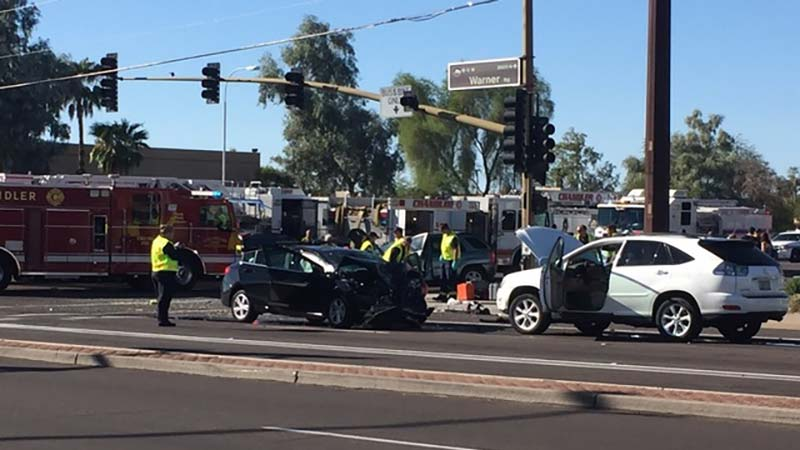Three vehicle crash injures ten for Department of motor vehicles chandler arizona